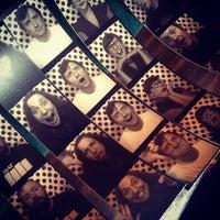 Das Foto wurde bei Dots von Kate B. am 5/19/2013 aufgenommen