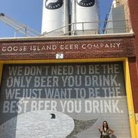 Foto scattata a Goose Island Beer Co. da Katy R. il 8/3/2018
