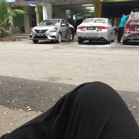 Photo taken at Snow Car Wash @ Bandar Pinggiran Subang by Hakim M. on 9/21/2015