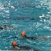 รูปภาพถ่ายที่ Jurong West Swimming Complex โดย Daphne L. เมื่อ 10/11/2017