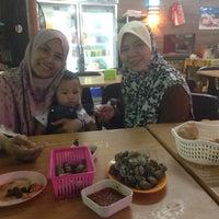Photo taken at MM Seafood Iswara by Qheela A. on 10/30/2016