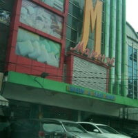 Photo taken at Majestyk by Mohammad R. on 6/3/2013