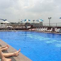 Photo taken at Hamilton Hotel Swimming Pool by geunyoung p. on 6/9/2014