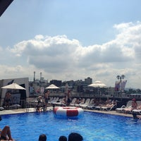 Photo taken at Hamilton Hotel Swimming Pool by geunyoung p. on 8/14/2013