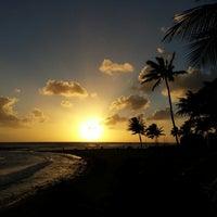 Foto tomada en Poipu Beach por ernie e. el 2/19/2013