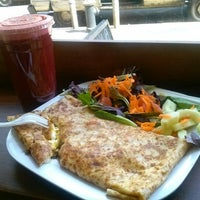Photo taken at Brooklyn Crepe & Juice by Tinkerbells W. on 3/30/2013