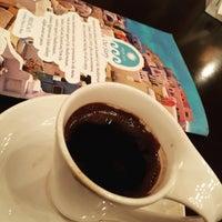 Photo taken at Med Cafè by Najeeba A. on 8/2/2015