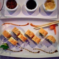 Photo taken at Sushi & Martini Bar by Huidoz on 9/14/2014