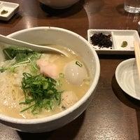 Photo taken at らーめん 銀杏 by 萩原 稜. on 2/28/2017