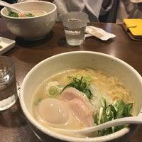 Photo taken at らーめん 銀杏 by 萩原 稜. on 4/22/2017