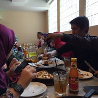 Photo taken at Pizza Hut by Nadiah J. on 3/2/2016
