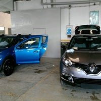 Photo taken at Renault/Kaptanoğlu Otomotiv by 💏👪💓Suat  Minel Ö. on 8/22/2016