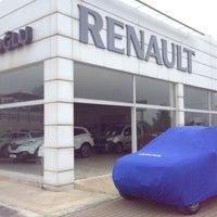 Photo taken at Renault/Kaptanoğlu Otomotiv by 💏👪💓Suat  Minel Ö. on 2/26/2016