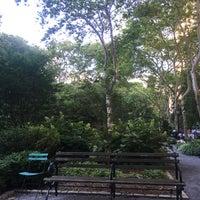 Foto scattata a Tudor City Park South da Phil V. il 7/9/2018