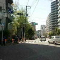 Photo taken at 京町堀2 交差点 by 風馬 ㅤ. on 4/13/2017