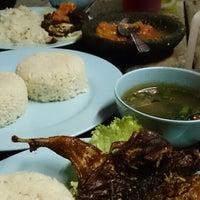 Photo taken at Restoran Burung Puyuh by Nazmi on 2/2/2015