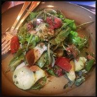 รูปภาพถ่ายที่ Chez Panisse โดย Jappy Princess M. เมื่อ 7/5/2013