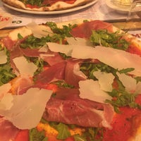 Photo taken at Pizzeria Casa Mia by René 🏃💨 S. on 10/16/2015