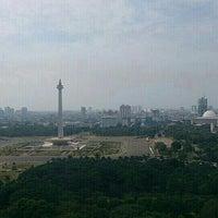 Photo taken at Lapangan Silang Monas by Yus@ P. on 9/18/2013
