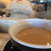 Foto tirada no(a) Vesta Coffee Roasters por Cristina em 5/21/2017