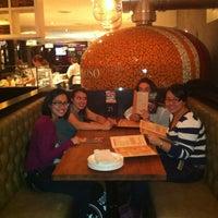 Photo prise au Famoso Neapolitan Pizzeria par Roshan S. le10/12/2012
