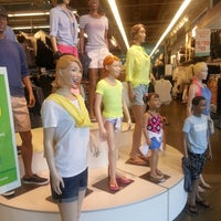Photo taken at Old Navy by Rachel T. on 3/18/2014