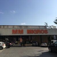 Foto diambil di Migros oleh İlkay T. pada 9/21/2017