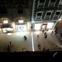 Das Foto wurde bei Perla Kallavi Teras Cafe von Aslı G. am 1/22/2013 aufgenommen