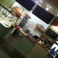 2/6/2013 tarihinde Heth Y.ziyaretçi tarafından Café Ma Baker'de çekilen fotoğraf