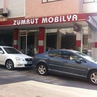 Photo taken at Zümrüt Halı & Mobilya Mağazaları by Melih N. on 8/14/2015
