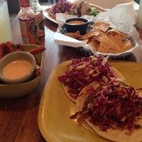 Foto tomada en Fusion Taco por Tina L. el 9/30/2014