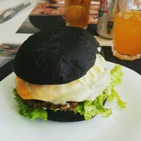 Foto tirada no(a) The New Jack Burguer & Grill por Michelle F. em 10/2/2015