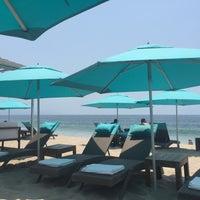 Foto tomada en Mantamar Beach Club por Jen K. el 5/14/2017
