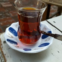 Photo taken at Aslan Çay Ocağı by Hatice E. on 10/22/2016