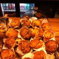 2/13/2014 tarihinde Yalcin C.ziyaretçi tarafından 180° Coffee Bakery'de çekilen fotoğraf