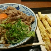 Photo taken at 丸亀製麺 熊本佐土原店 by jdo @. on 10/16/2016