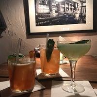 Photo prise au L'Atelier Cocktail Club par Chase V. le1/28/2017