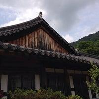 Photo taken at 천은사 (泉隱寺) by Do Hyun K. on 6/11/2016