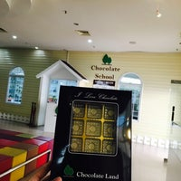 Photo taken at Chocolate Land by Nur Izzati I. on 11/11/2016