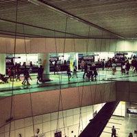 Photo taken at Dhoby Ghaut MRT Interchange (CC1/NE6/NS24) by Maoxi E. on 12/23/2012