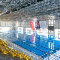 Foto tirada no(a) İTÜ Olimpik Yüzme Havuzu por İTÜ em 7/31/2015