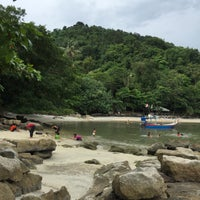Photo taken at Gertak Sanggul Seaside by Aina Z. on 8/27/2016
