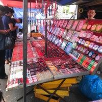 Photo taken at Lorong Kulit Flea Market (Pasar Lambak) by Hafiz K. on 9/17/2018