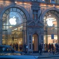 Photo taken at Apple Store Regent Street by Juanan U. on 4/25/2013