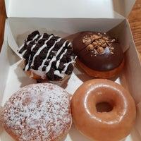 Photo taken at Krispy Kreme by Eun Seok O. on 11/29/2017