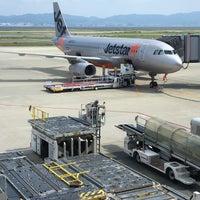 Photo taken at KIX Gate 25 関西国際空港 25番ゲート by まい (. on 8/8/2017