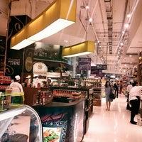 Foto scattata a Gourmet Market da Sungkuk J. il 4/15/2013