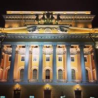 Снимок сделан в Александринский театр пользователем Анастасия Б. 8/27/2013