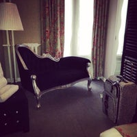 Photo taken at Hôtel Taylor by Leila on 4/9/2014