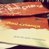 Photo taken at Itaú by Vanessa A. on 9/27/2014